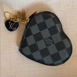Louis Vuitton Damier Heart Colin Purse